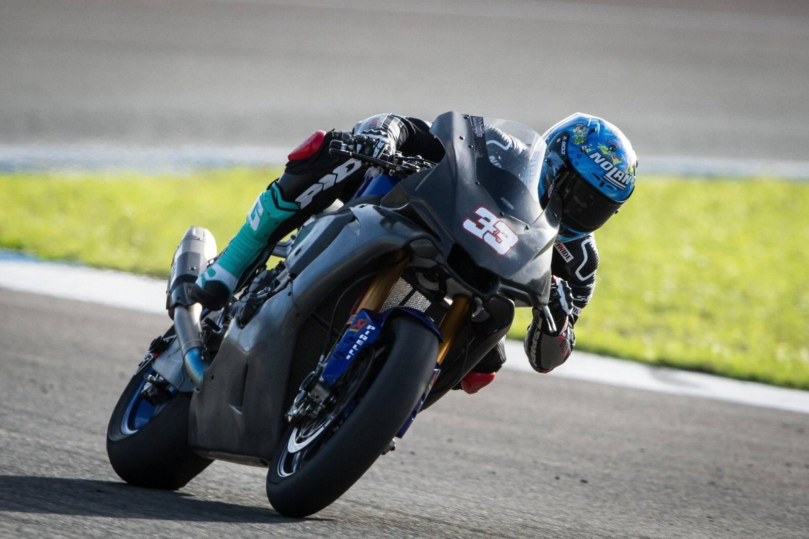 Melandri Yamaha SBK TEST