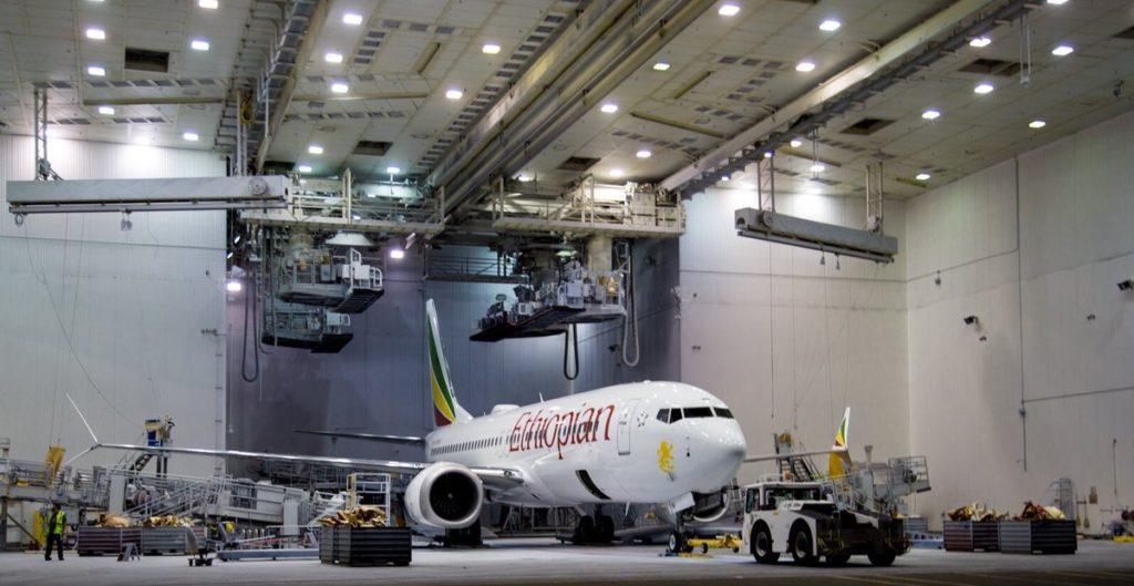 """""""Il Boeing 737 in fase di revisione a giugno prima della consegna – Photo Credit: twitter.com""""  boeing"""