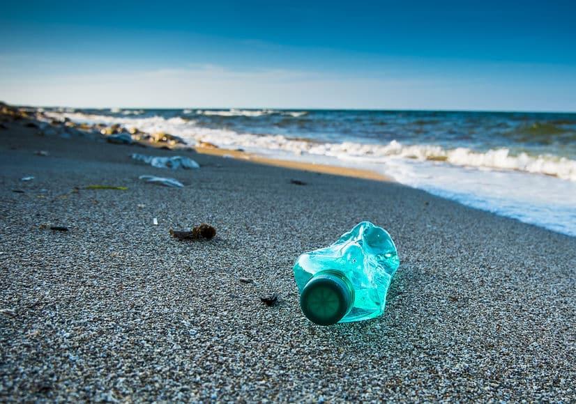 Inquinamento e rifiuti sulle spiagge. (foto dal web) MMI Today |Giornata mondiale degli Oceani