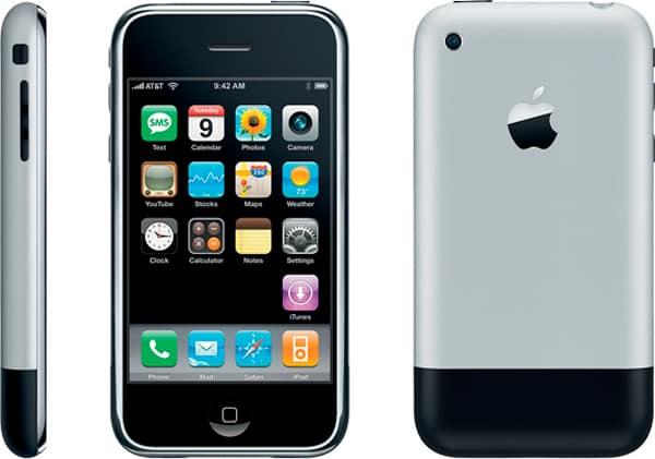 Il primo modello di iPhone (immagine dal web) MMI Today 29 gennaio: dal lancio dello shuttle alla messa in vendita del primo iPhone.
