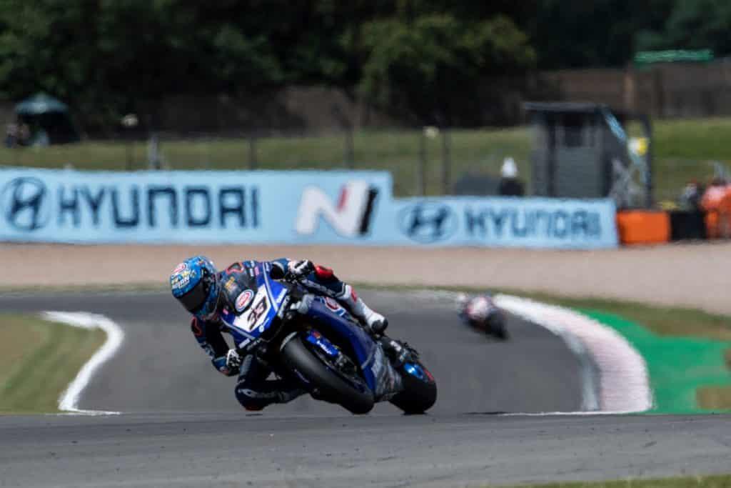 Marco Melandri annuncia il ritiro - Melandri su Yamaha R1 GRT