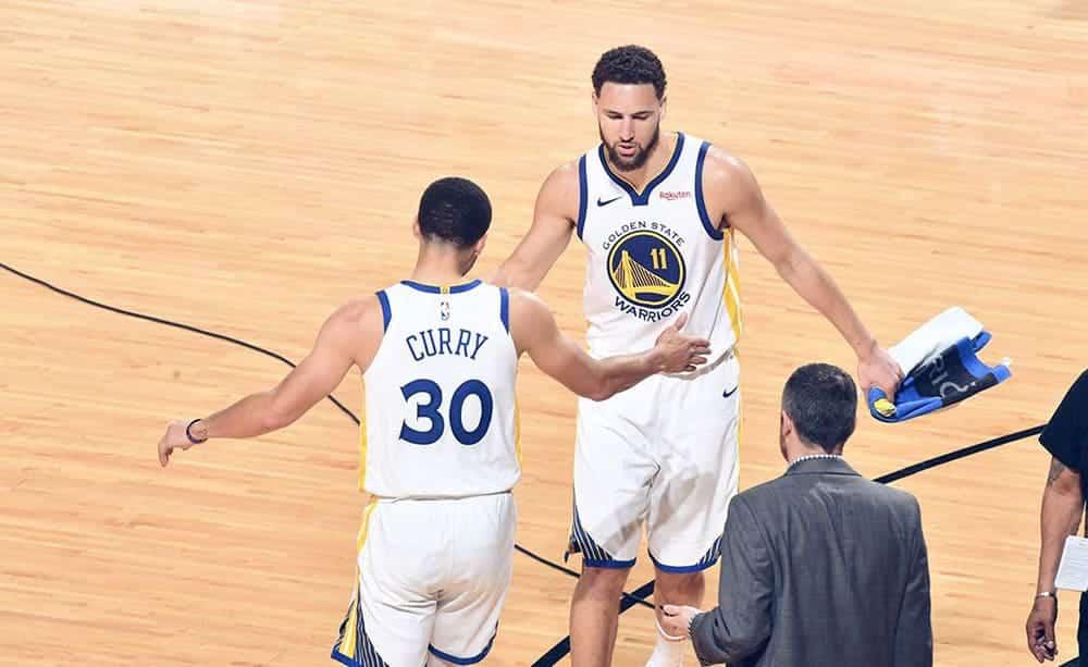 """Curry e Thompson., la coppia che forma gli """"Splash Brothers"""", dopo la vittoria in Gara 5 nelle scorse Finals"""