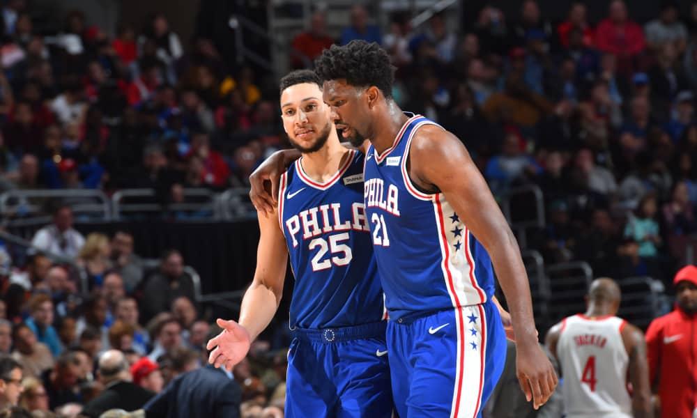 Embiid dispensa consigli a Simmons: l'australiano dovrà fare il salto di qualità per guidare il tanto talento dei 76ers in coppia con il centro camerunense