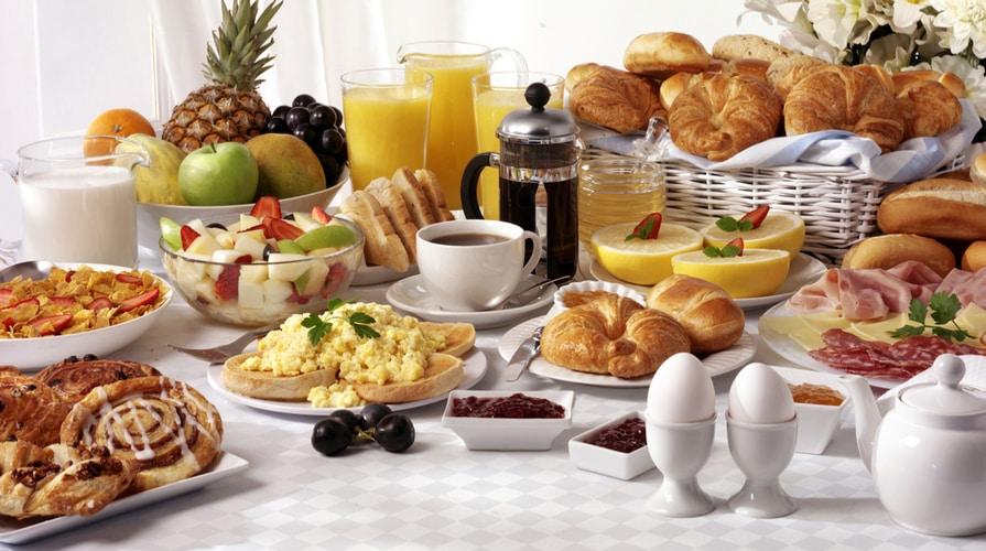 La colazione è un momento importante, ma cosa scegliere? (photocredit: www.ilgiornaledelcibo.it)