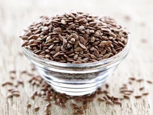 I semi di lino sono tra gli ingredienti più particolari (photocredit: www.curenaturali.it)