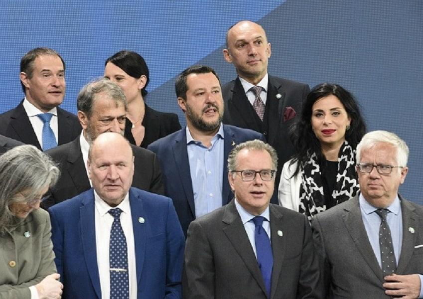 """""""Matteo Salvini con alcuni colleghi Ue al vertice sui migranti di Helsinki – Photo Credit: www.primapaginanews.it""""  migranti"""