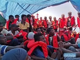 migranti in viaggio verso l'Italia