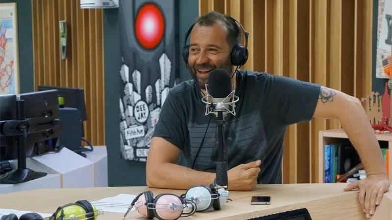 """""""Fabio Volo durante il programma radiofonico Il Volo del Mattino"""""""