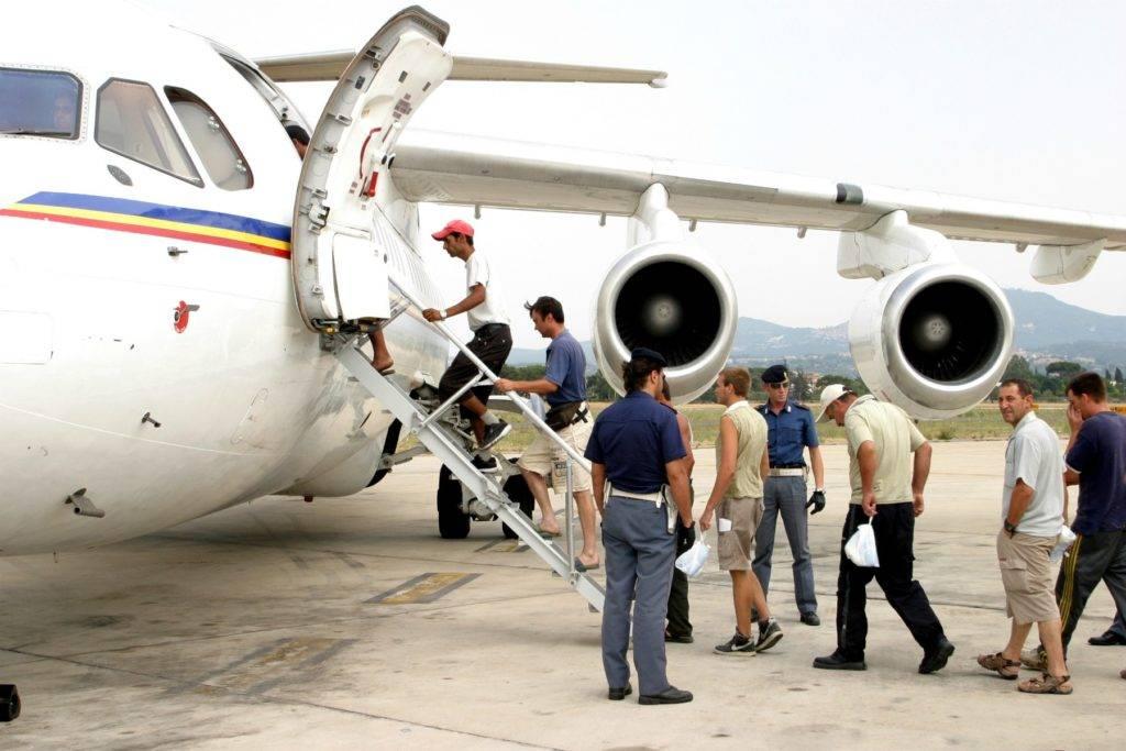 Negli ultimi tre anni il programma di rimpatrio dei migranti irregolari è stato un flop - Photo Credit: wired.it