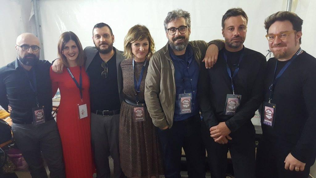 Uno scatto della band al completo (PHOTO: pagina ufficiale Facebook della Brunori Sas)