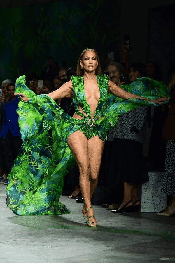 Jennifer Lopez per Versace - credit: web