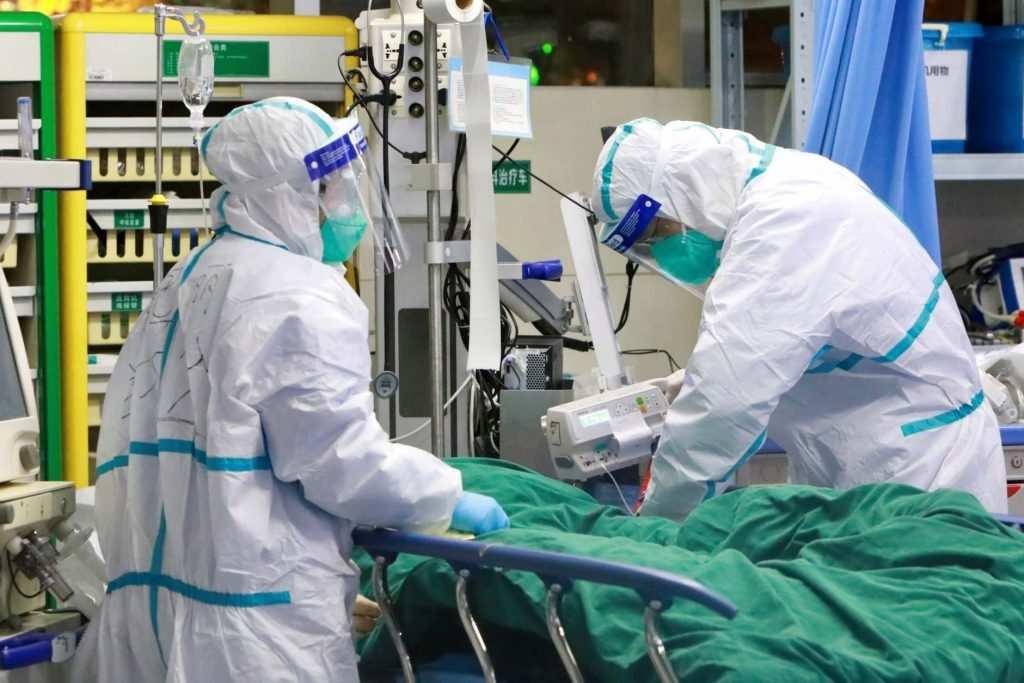 Coronavirus, record di casi positivi in Italia: 15.199 i contagiati