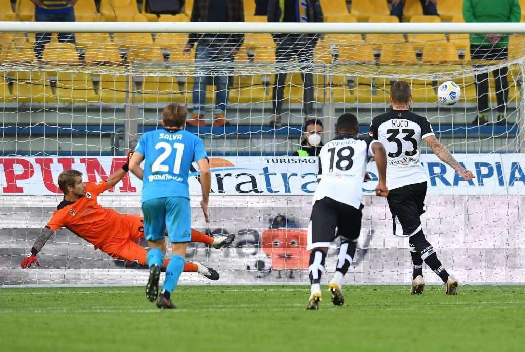 Parma |  il pari contro lo Spezia divide i calciatori |  punto guadagnato o occasione buttata?