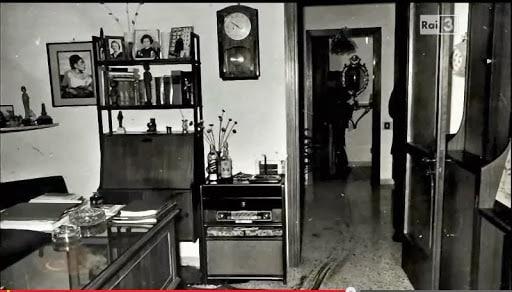 Immagine dell'interno di casa Santangelo, luogo della strage di Via del Caravaggio  photo credit: scenacriminis.com