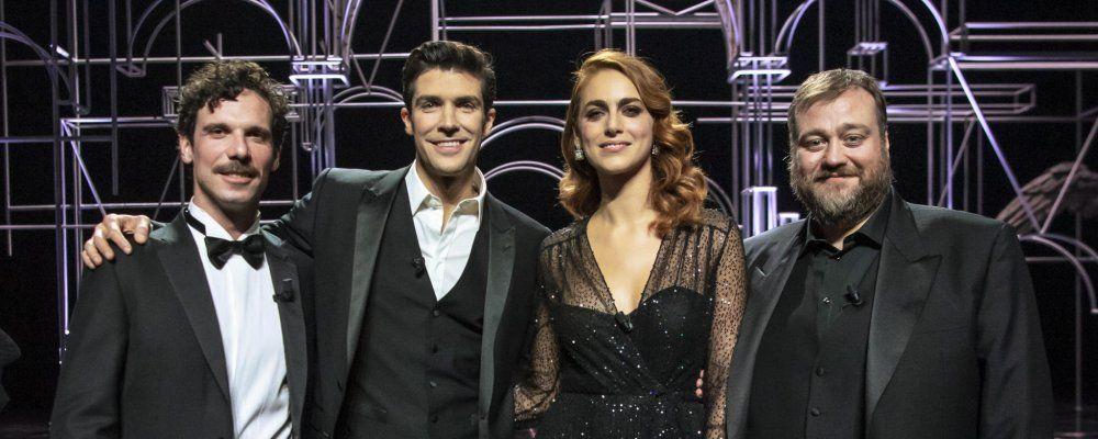 """Roberto Bolle e i conduttori di """"Danza con me"""" e Miriam Leone - photcredits: tvzap"""