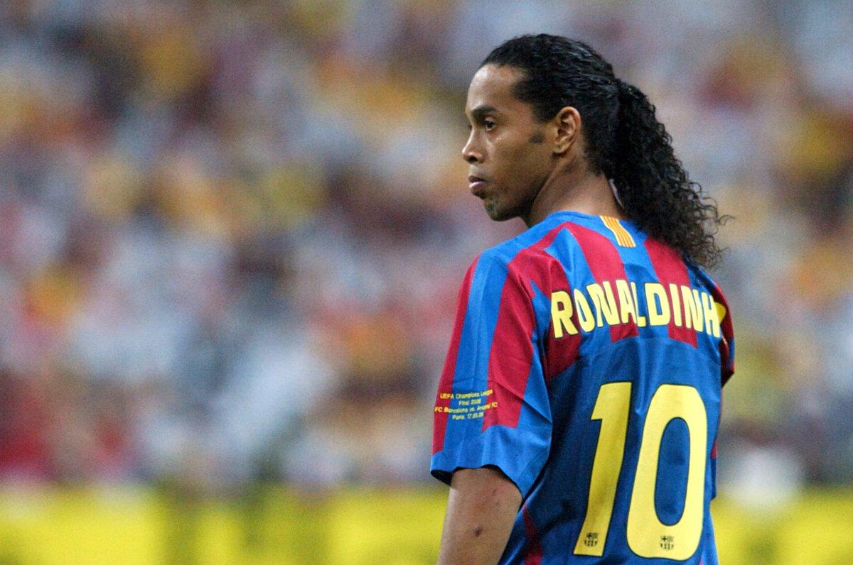 Ronaldinho, la magia di un fenomeno immortale