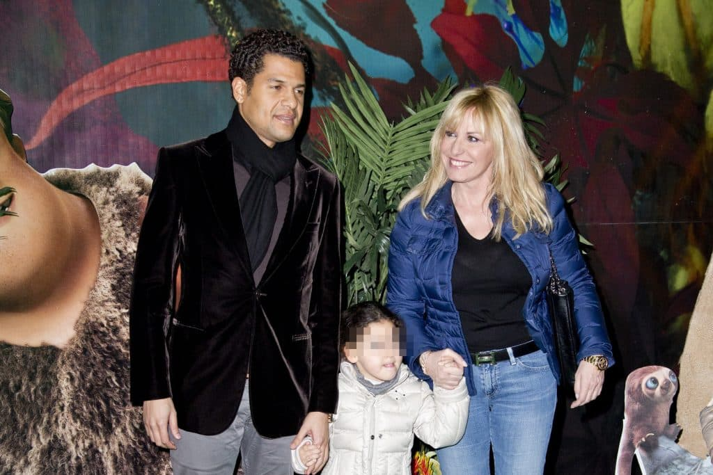Eddy Martens, la figlia Maelle e l'ex compagna Antonella Clerici - photocredits: Mammeoggi