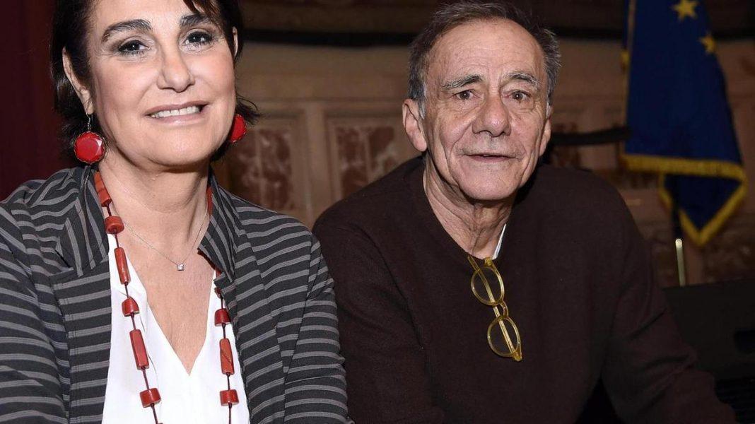 Daria Colombo moglie di Roberto Vecchioni - Photo Credits: https://www.bresciaoggi.it/home/spettacoli/i-coniugi-vecchioni-per-le-donne-1.4700427