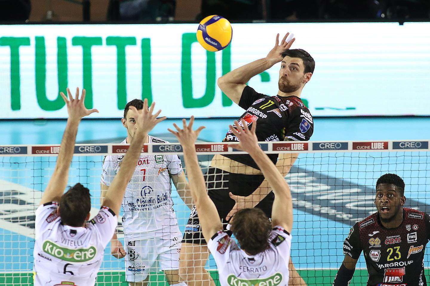 Volley, Civitanova vince Coppa Italia: 3-1 a Sir Perugia