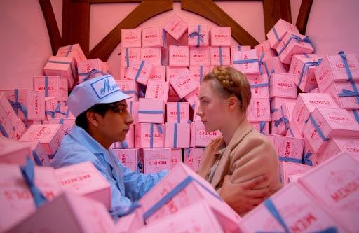"""""""The Grand Budapest Hotel"""": la pasticceria di Mr Mendl per un caper movie pittoresco firmato Wes Anderson"""