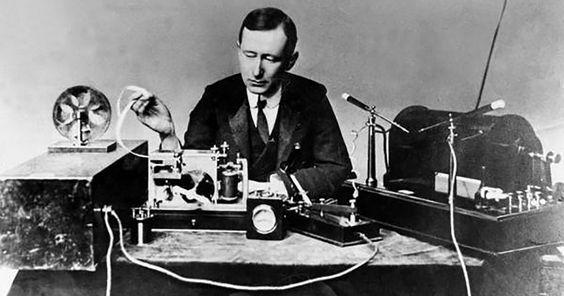 Guglielmo Marconi, 1899, comunicazione radiotelegrafica - Credits Pinterest
