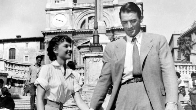 """Audrey Hepburn e Gregory Peck in """"Vacanze romane"""" - Photo Credits: Nuovo Cinema Locatelli"""