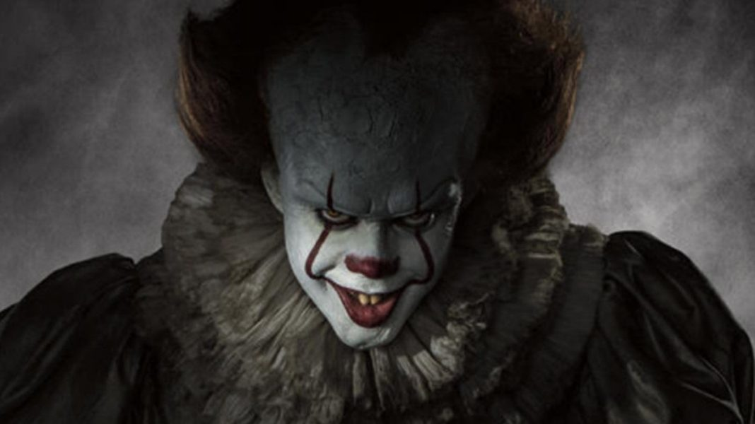 Bill Skarsgård è Pennywise il clown in