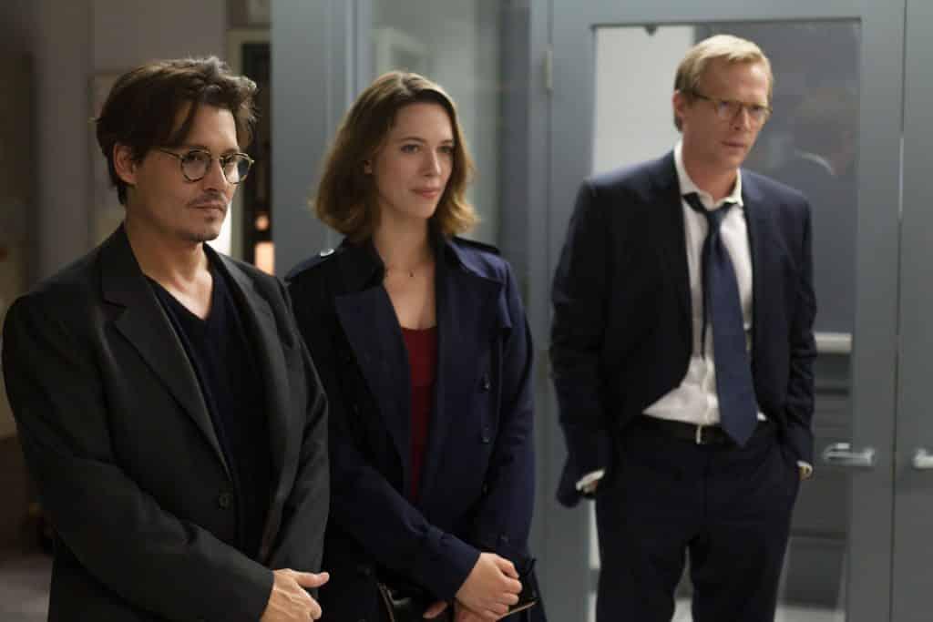 """Johnny Depp, Rebecca Hall e Paul Bettany in """"Transcendence"""", stasera in tv su Rai Movie - Photo Credits: Rolling Stone"""