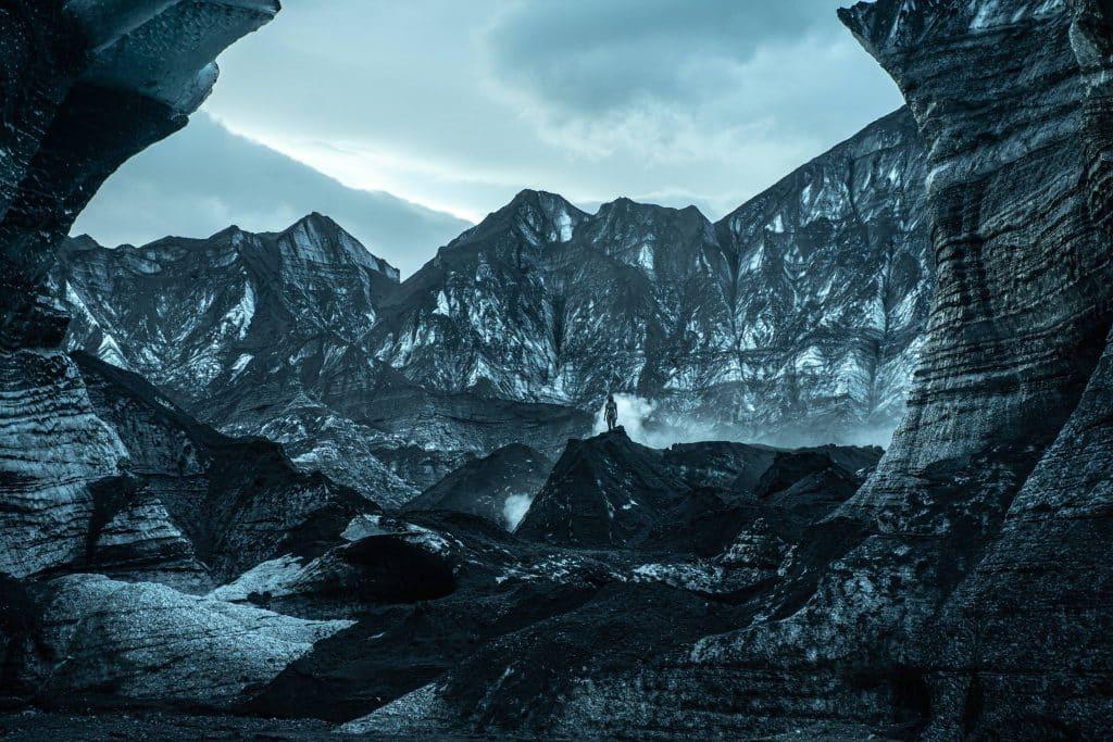 """""""Katla"""": natura, religione e folklore nell'Islanda della nuova serie Netflix sci fi"""