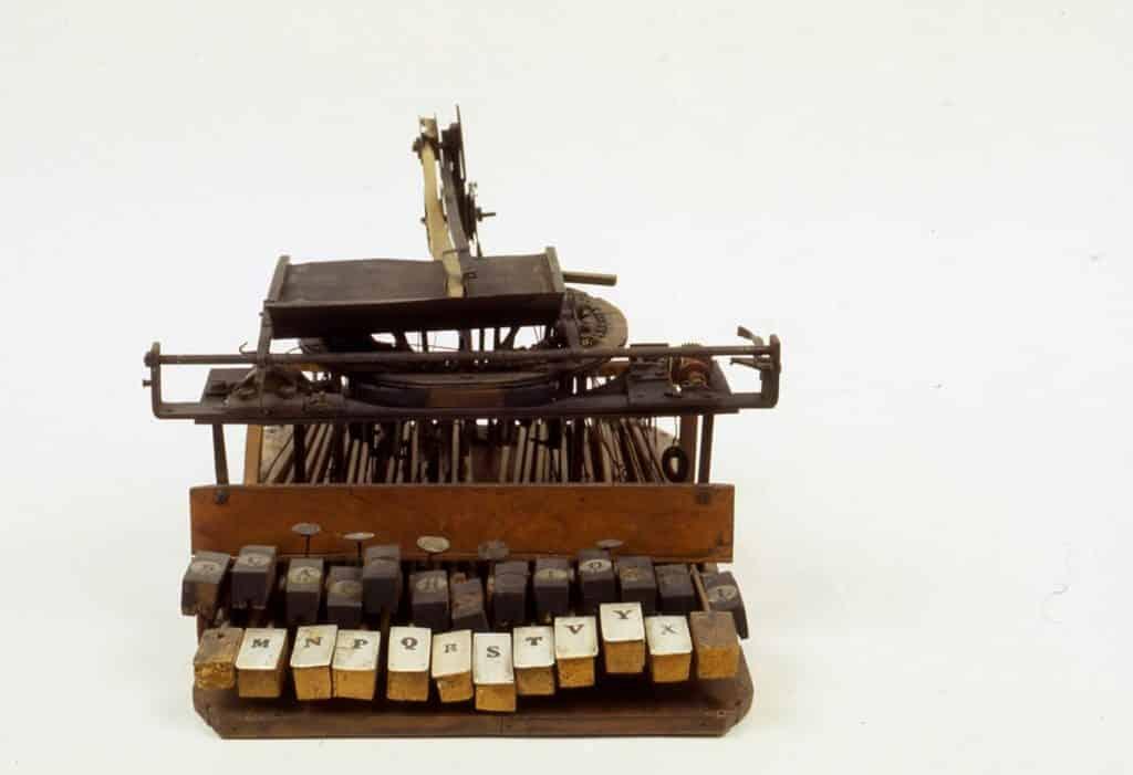 Invenzione macchina da scrivere Cembalo scrivano, 1837 Photo credits: commons.wikimedia.org
