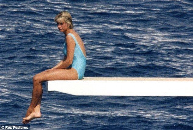 """Naomi Watts nei panni di Lady Diana, il talento su una """"nave che affonda"""""""