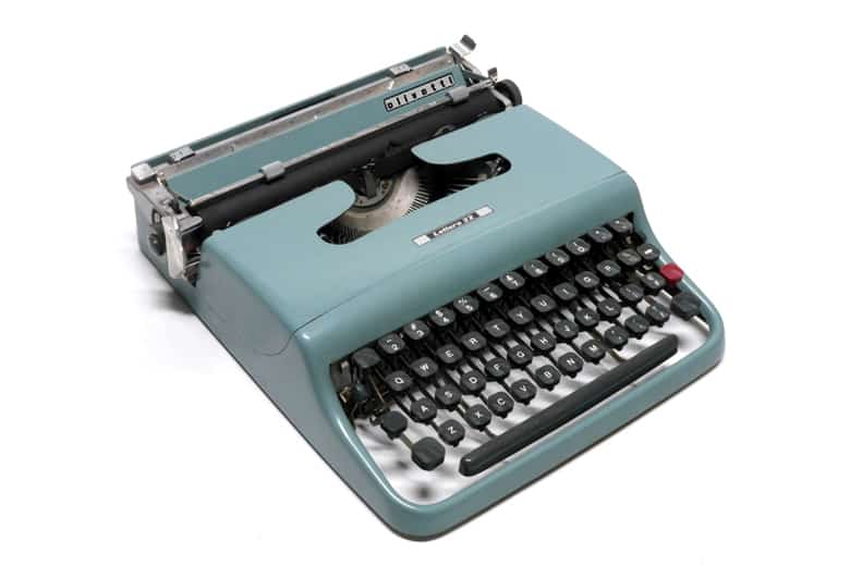 Invenzione macchina da scrivere. Olivetti lettera 22 photo Credits: designindex.it