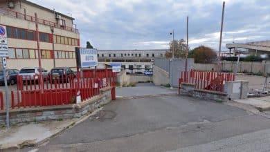 Cagliari, tre meccanici accoltellati nella loro officina