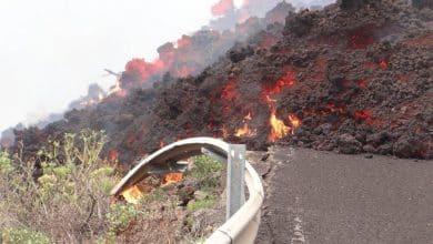 Canarie, l'eruzione del vulcano a La Palma, la lava avanza ancora: rischio gas tossici